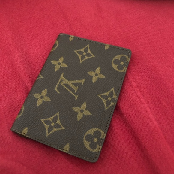 Louis Vuitton Accessories - Louis Vuitton card holder